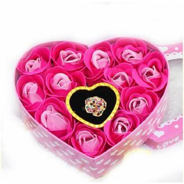 صندوق من الورود لتقديم المجوهرات والهدايا